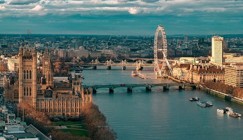 High Altitude Aerial 360 panoramas of London