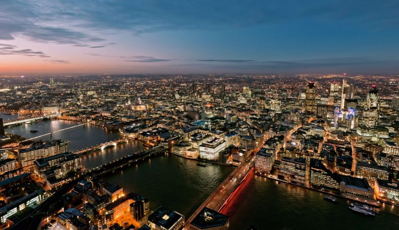 360 Virtual Reality View from a crane during construction of the Shard