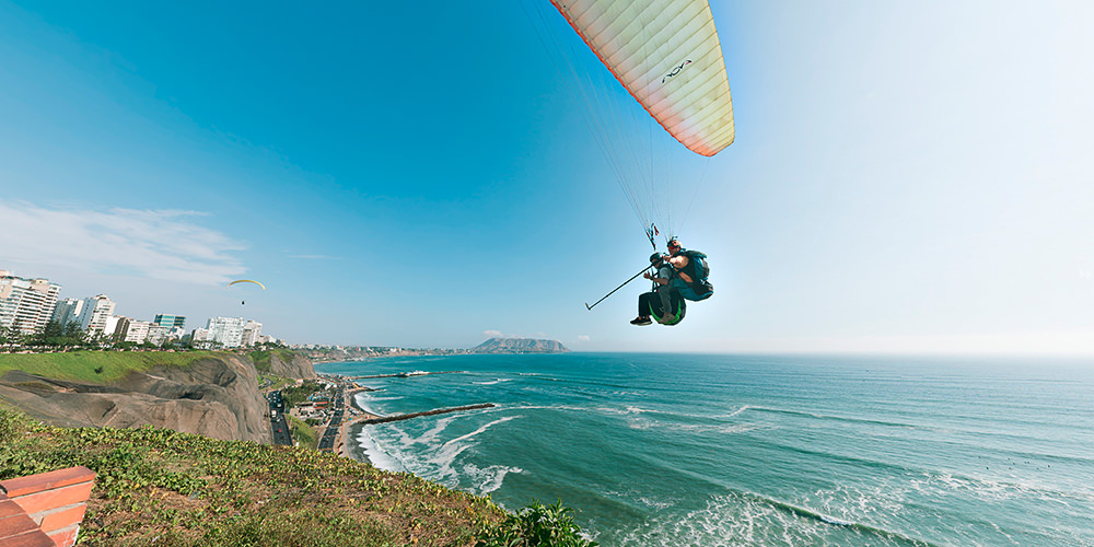 Paragliding in Limi, Peru. 360 Photography
