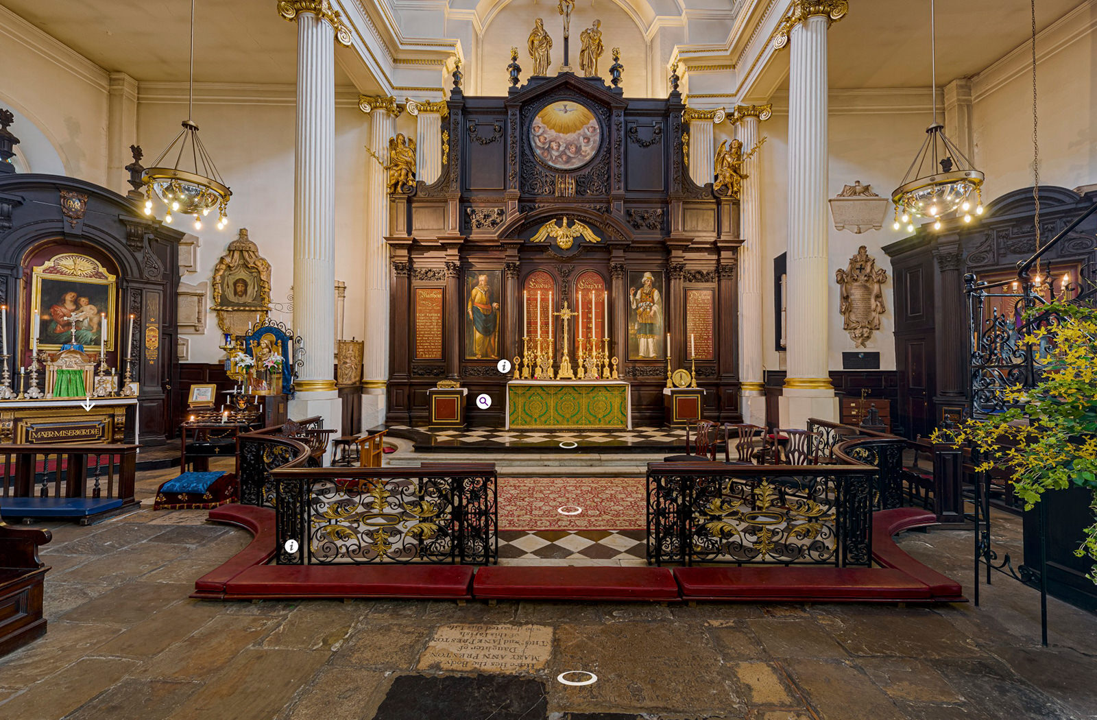 Image of the High Altar at St Magnus the Martyr taken from the church virtual tour
